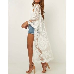 Gorgeous white lace kimono/ beach cover up